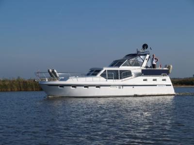 Motorová jachta Drat 48