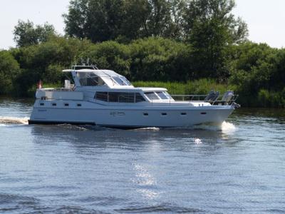 Motorová jachta Drat 33
