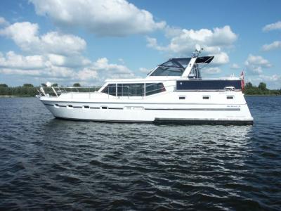 Motorová jachta Drat 32