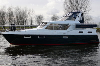 Motorová jachta baron