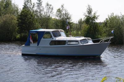Motorová jachta jonker