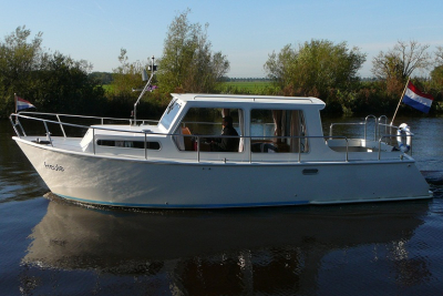 Motorová jachta freule