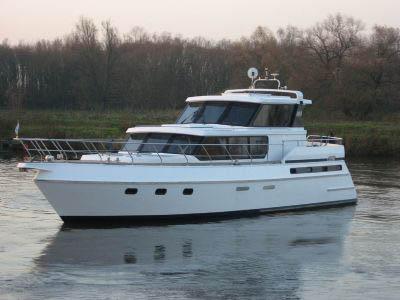 Motorová jachta supervalue