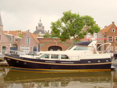 Motorová jachta l500
