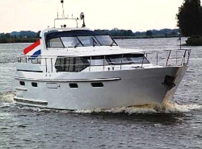 Motorová jachta paal150