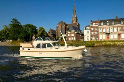 Motorová jachta l29.9ac