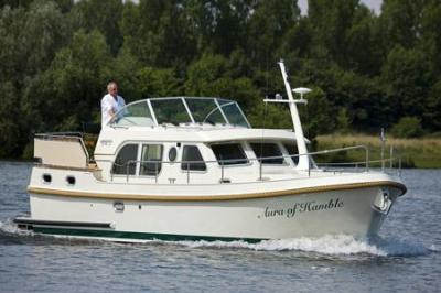 Motorová jachta l34.9ac
