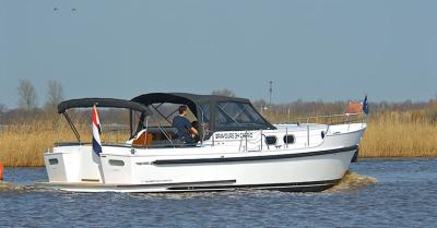 Motorová jachta drait140