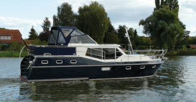 Motorová jachta drait104
