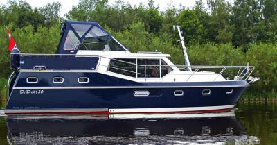 Motorová jachta drait130