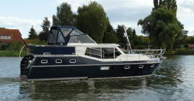 Motorová jachta drait132
