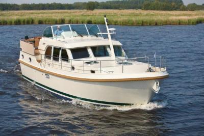 Motorová jachta lhs40.9ac2