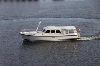 Motorová jachta linsen409s