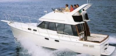 Motorová jachta bayliner3270