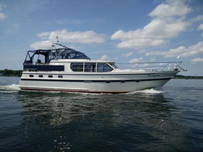 Motorová jachta valkvoyager1400