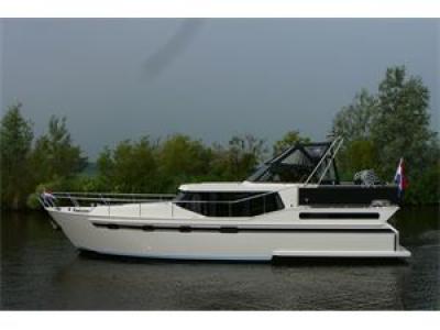 Motorová jachta vacance1200