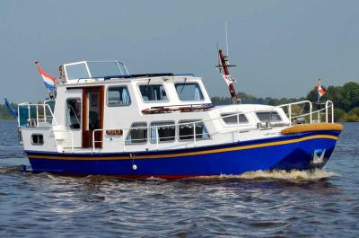 Motorová jachta 850akperla