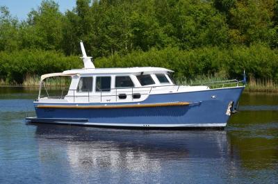Motorová jachta drait8334twin