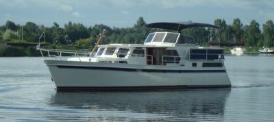 Motorová jachta Linda/L