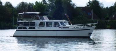 Motorová jachta Ria/L