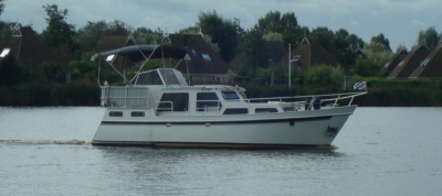 Motorová jachta Ester/L