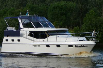 Motorová jachta markies
