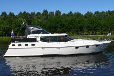 motorová jachta paladijn