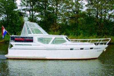 Motorová jachta Pedro 33