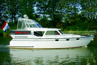 Motorová jachta Pedro 38