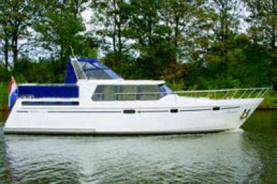 Motorová jachta Premier 1375