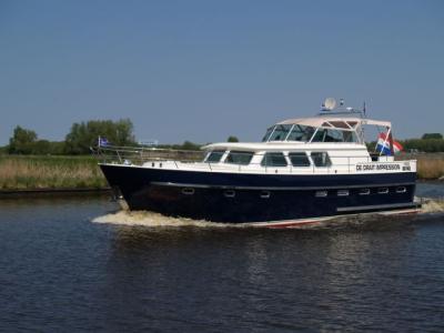 Motorová jachta Drat 60