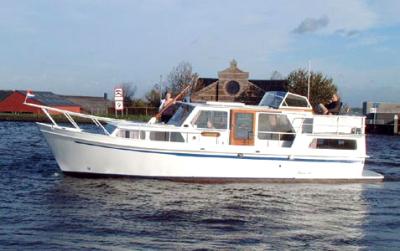 Motorová jachta dl1100