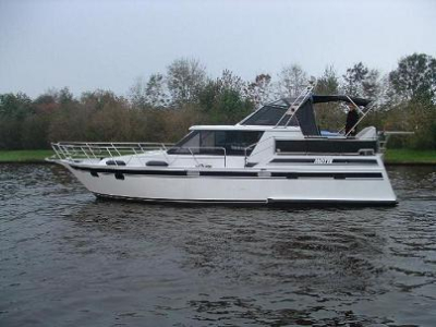 Motorová jachta eag1250