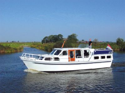 Motorová jachta gstar1085
